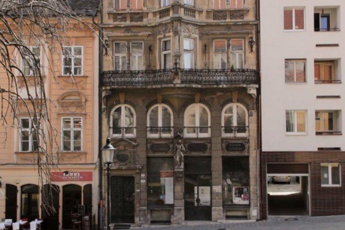 Ilustračný obrázok ku kvízu Poznáte známu bratislavskú pamiatku Lekáreň u Salvatora?