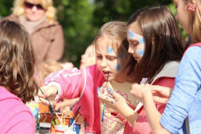Ilustračný obrázok ku kvízu Ako poznáte prázdninové atrakcie v Topoľčanoch a okolí?