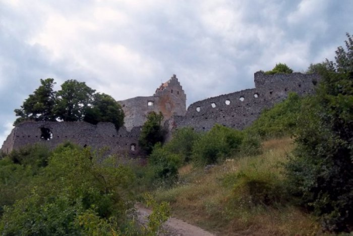 Ilustračný obrázok ku kvízu Ako dobre poznáte Topoľčiansky hrad?