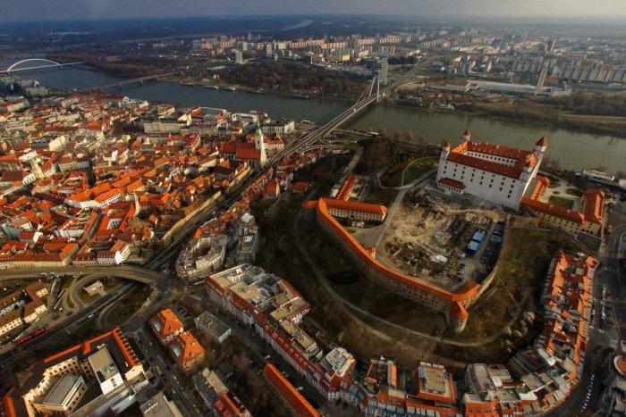 Ilustračný obrázok ku kvízu Prechádzka centrom mesta. Ako dobre poznáte Bratislavu?