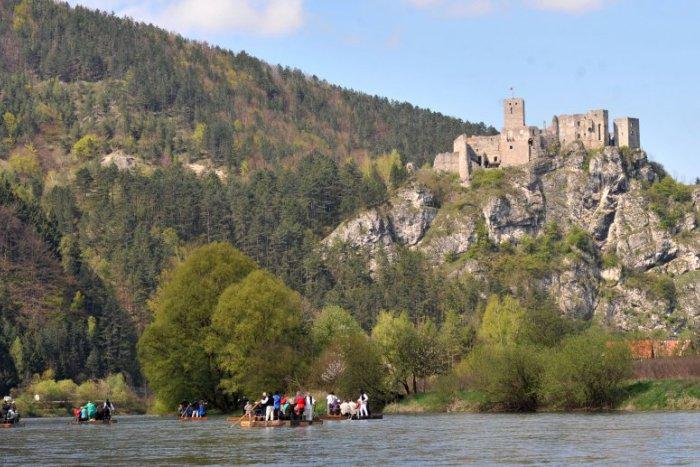 Ilustračný obrázok ku kvízu Fakty o turistických lákadlách v žilinskom okrese