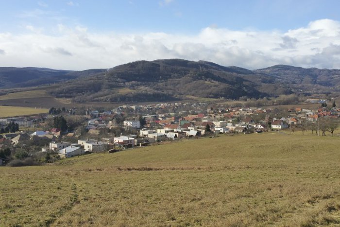 Ilustračný obrázok ku kvízu Poznáte erby obcí z Breznianskeho okresu?