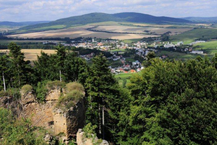 Ilustračný obrázok ku kvízu Špeciálny kvíz: Ako dobre poznáte nárečie z okolia Prešova?