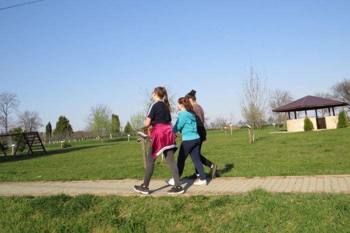 Ilustračný obrázok ku kvízu Ovládate nárečie z okolia Michaloviec? Trafte správne význam týchto 10 slov!