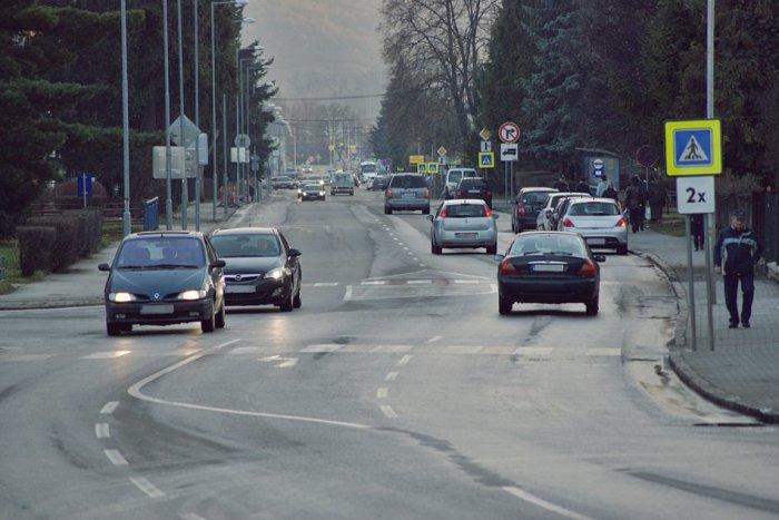 Ilustračný obrázok ku kvízu Označte správne z voleja maximálne povolené rýchlosti na rožňavských cestách