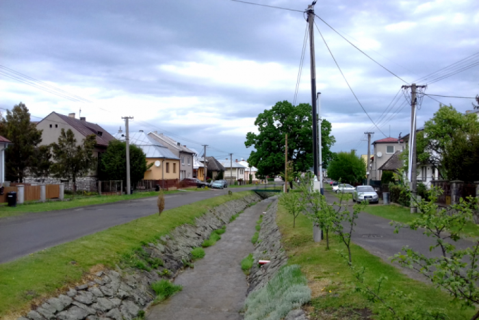 Ilustračný obrázok ku kvízu 10 snímok z okresu Humenné: Predveďte sa a priraďte ku každej tú správnu dedinu