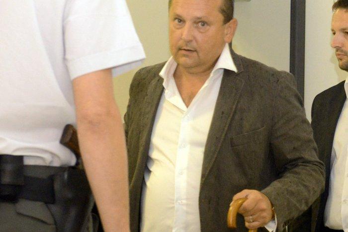 Kauza tunelovania nebankoviek: Odsúdeného Patrika Pachingera zatkla polícia | Dnes24.sk