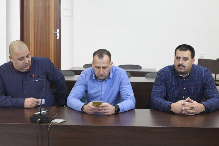 VIDEO: Bratia Paškovci stáli opäť pred súdom: TOTO je rozsudok v kauze pouličnej bitky! | Dnes24.sk