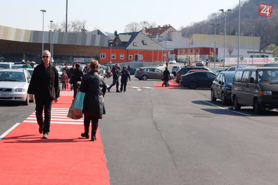 07e310a944 Nové nákupné centrum  Galéria Danubia Hainburg