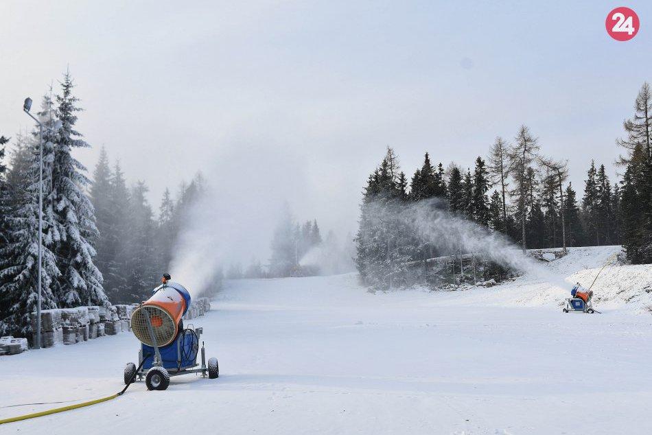 0388de0c84b Ilustračný obrázok k článku Aktuálne zábery z príprav na lyžovačku: V  Tatrách sa už naplno