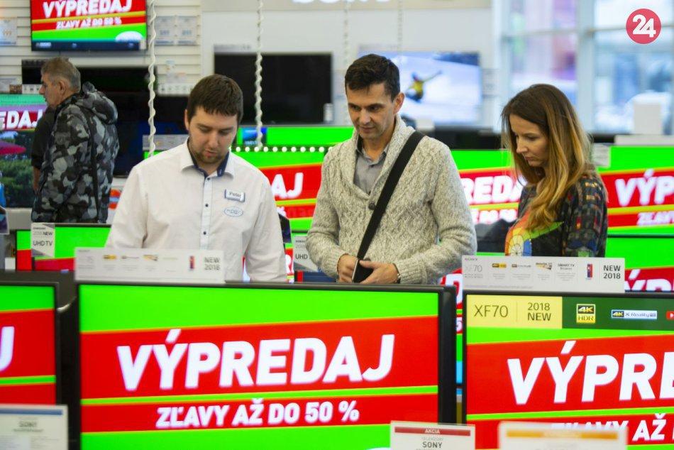 684b024b1d72 Ilustračný obrázok k článku Slováci sa chystajú na povianočné výpredaje   Plánujú nakúpiť oblečenie a elektroniku