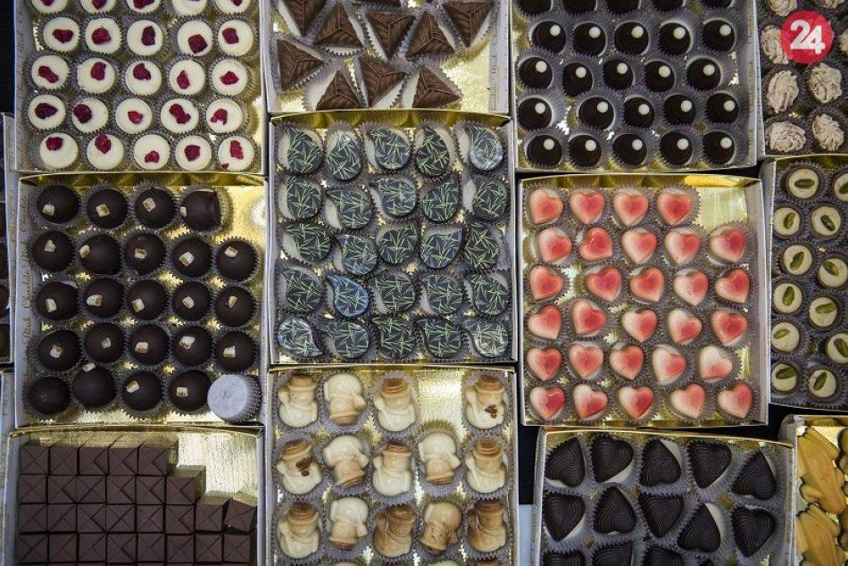 Ilustračný obrázok k článku Čokoládu jeme na kilá. Odkiaľ ju dovážame a v čom na Švajčiarov nemáme?