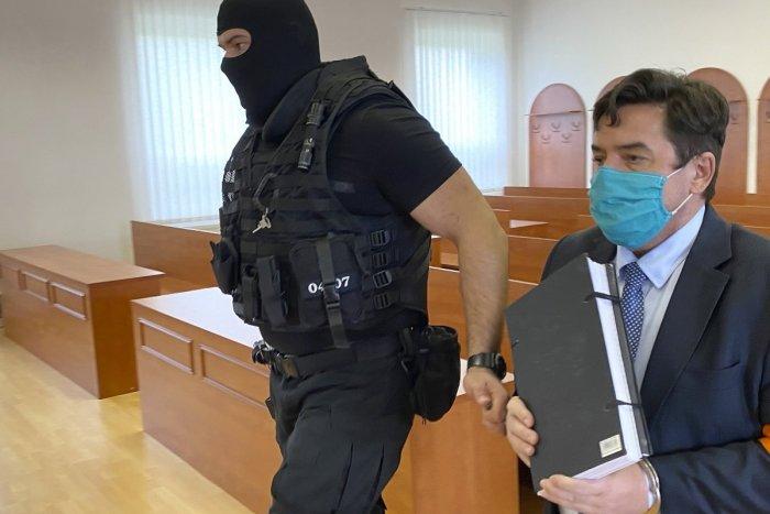 Šifry z Threemy: Zuby, sneh aj emotikony majú odkazovať na vraždu Kuciaka | Dnes24.sk