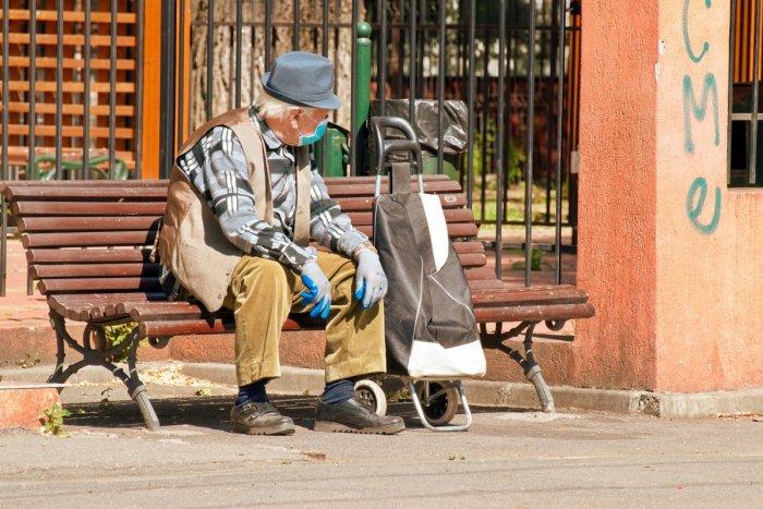Seniori tento rok dostanú 13. dôchodok. Jeho výška bude po novom odstupňovaná | Dnes24.sk