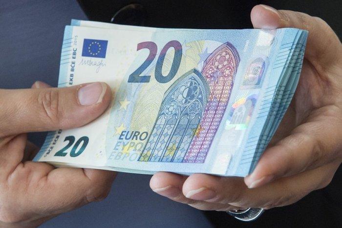 Čakajte chudobnejší 13. dôchodok a minimálnu mzdu: Krajniak je podľa Smeru politický podvodník | Dnes24.sk