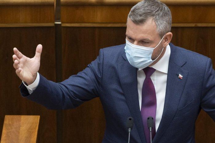 MILIÓNY eur na pandemickú pomoc získali schránkové firmy! Je to ŠKANDÁL, vraví Pellegrini